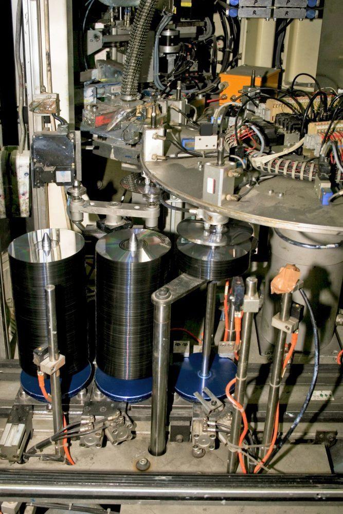 Maquina profesional de duplicacion de cds dvds