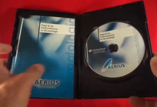Copiar dvds caja con libreto interior.
